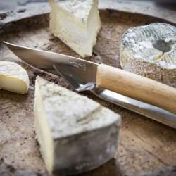 Cuchillo para despellejar de 15 cm. y mango de madera